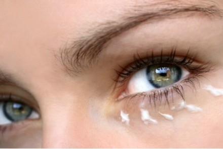 creme-contour-des-yeux