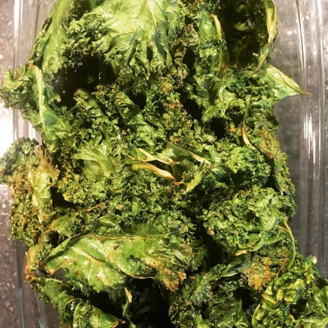Chips de kale  la lime! Miam! sogood sohealthy healthylifehellip